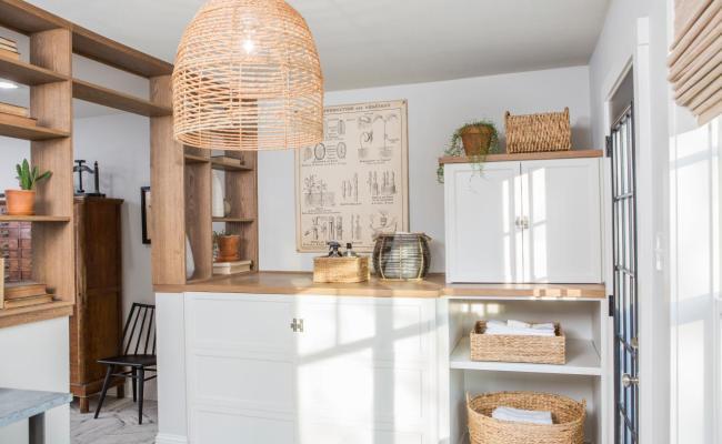 10 Ideas For Laundry Room Wall Decor