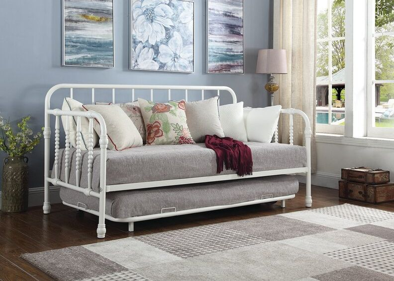 How A Daybed With Trundle Can Help You Make The Most Of A Small Space