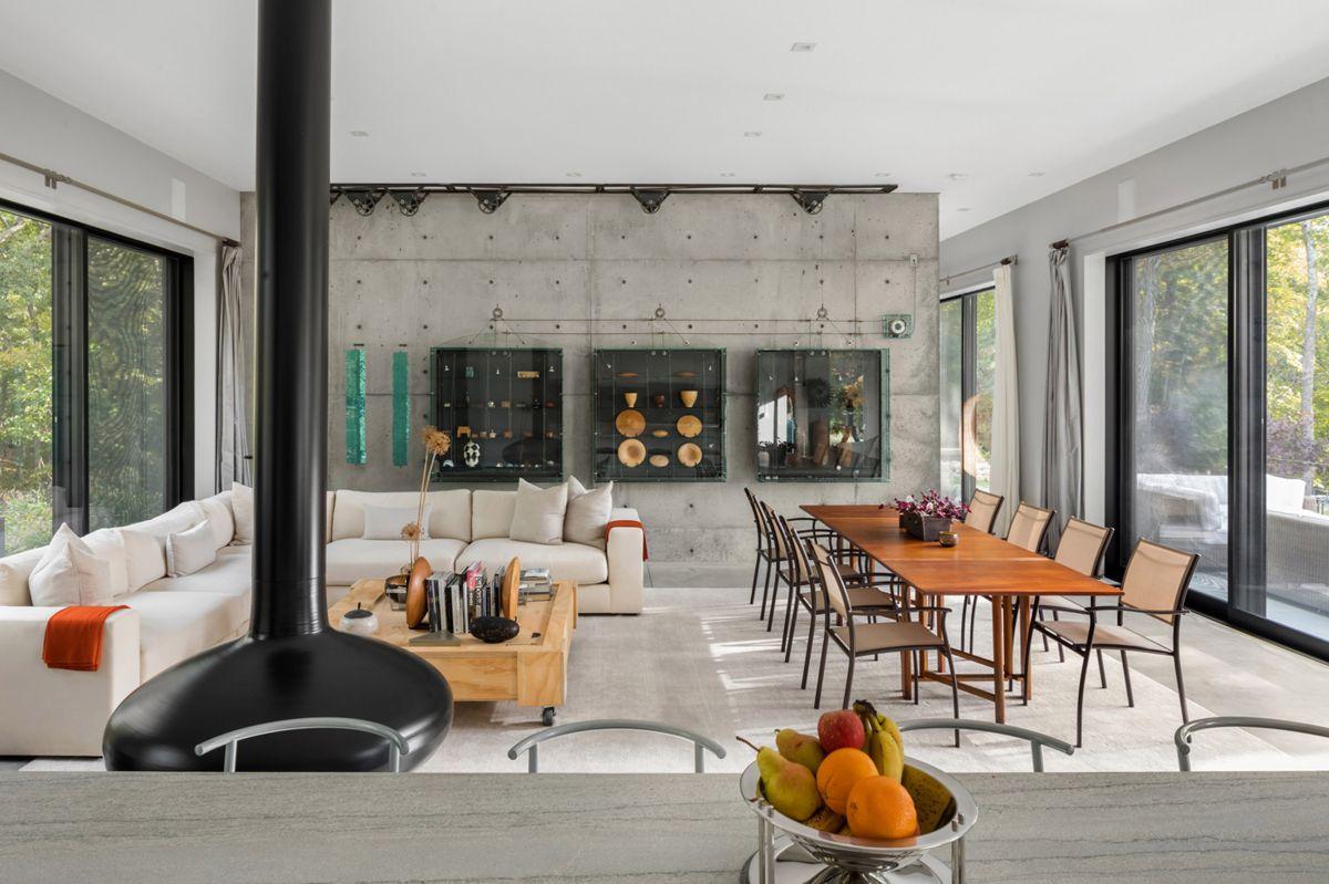 New York architect Vibeke Lichten Retreat  living room  Home Decorating Trends  Homedit
