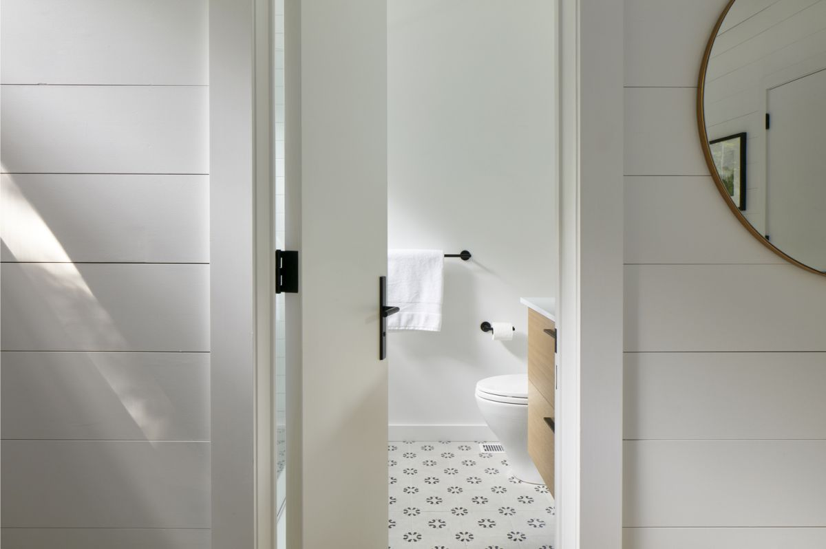 White is also the preferred color in the smaller areas such as the bathrooms