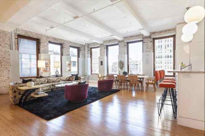 A Vibrant Apartment In Tribeca