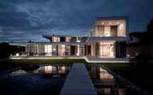 Modern L-shaped House