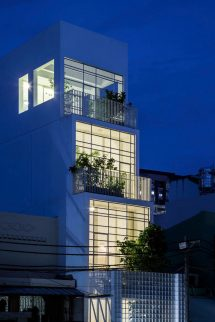 Vertical Home In Ho Chi Minh City