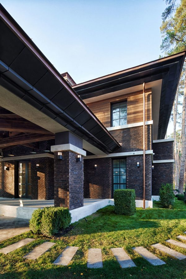 L. Wright-inspired Contemporary Home