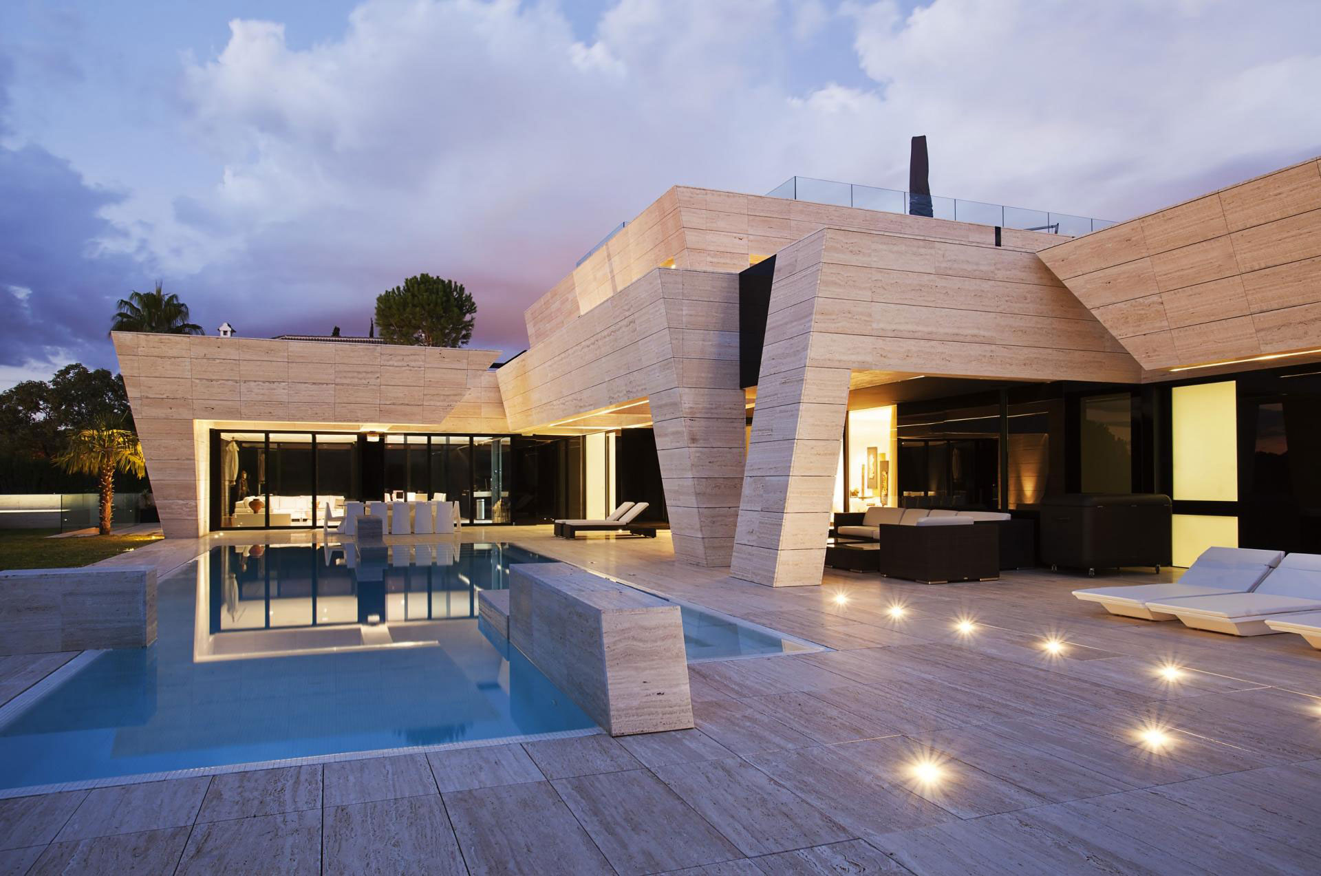 Acero Design a Modern Home in Seville Spain