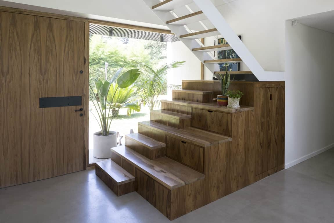 De La Huella House Inner Staircase   Inner Steps Design For House   Contemporary   Ultra Modern   Metal Staircase   Double Storey   Side Wall