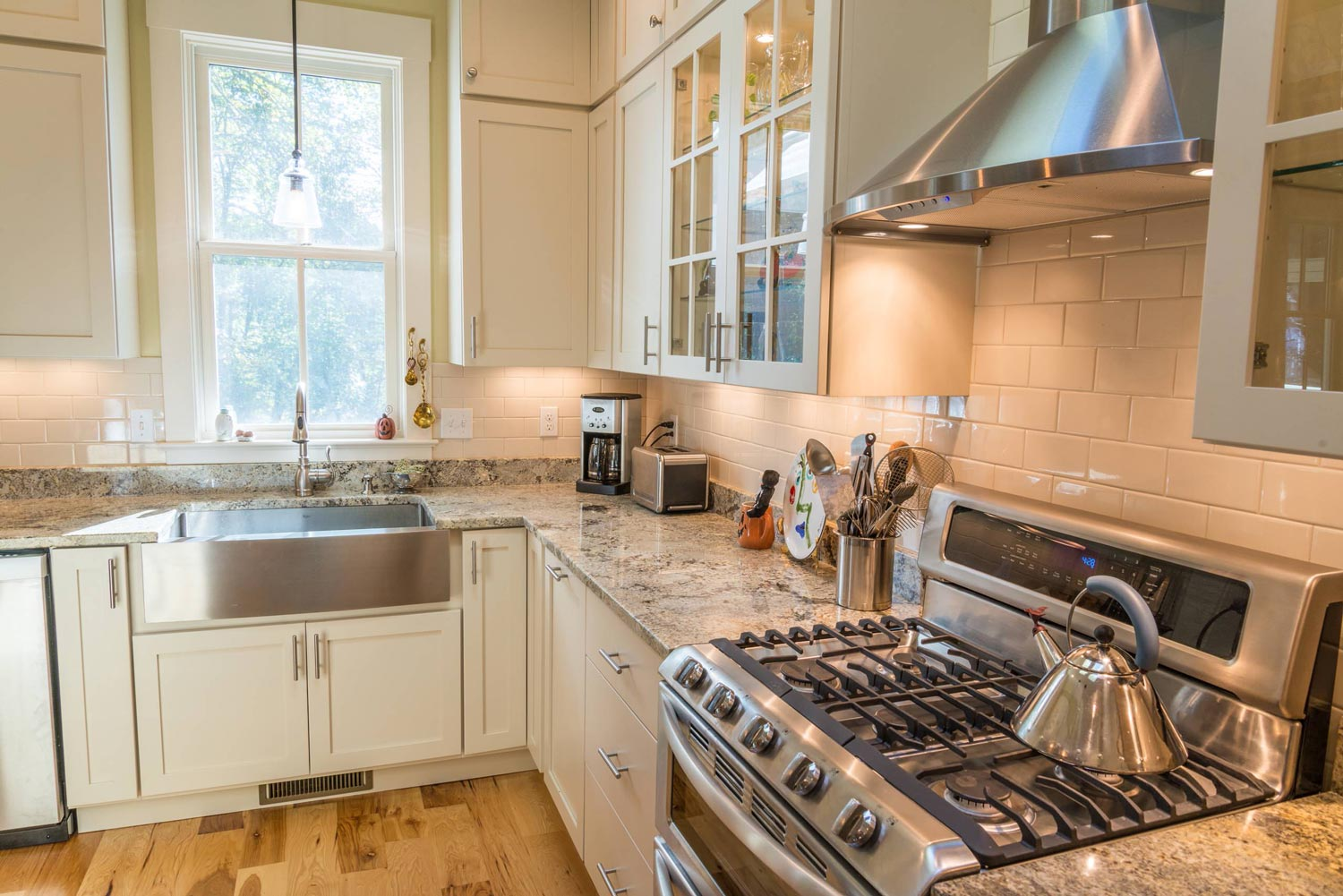 hight resolution of kitchen remodeling