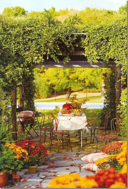 DIY Welcome The Fall With Warm And Cozy Patio Decorating Ideas