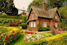 Beautiful English Cottage Garden