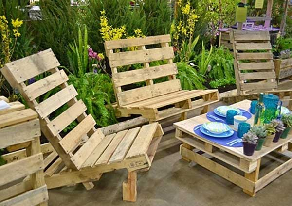 37 Insanely Creative DIY Backyard Furniture Ideas That Everyone Should Pursue homesthetics decor (28)
