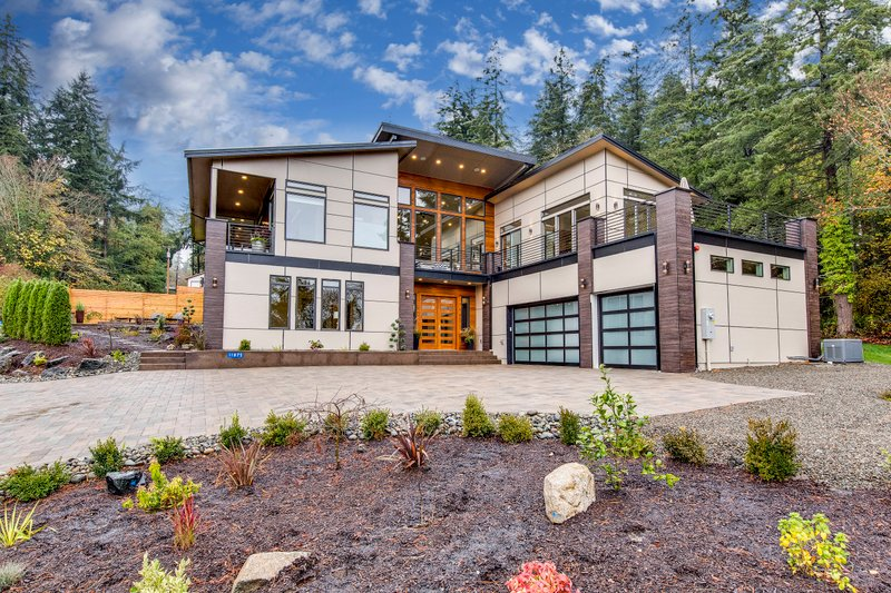 Contemporary Style House Plan 3 Beds 4 Baths 4730 Sq Ft