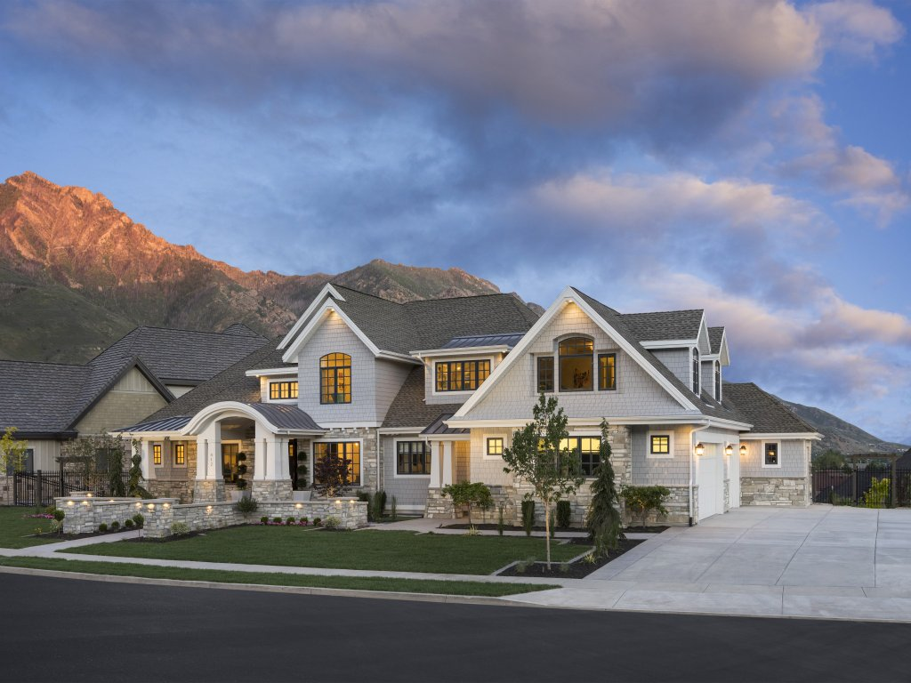 Craftsman Style House Plan 6 Beds 5 5 Baths 6680 Sq Ft