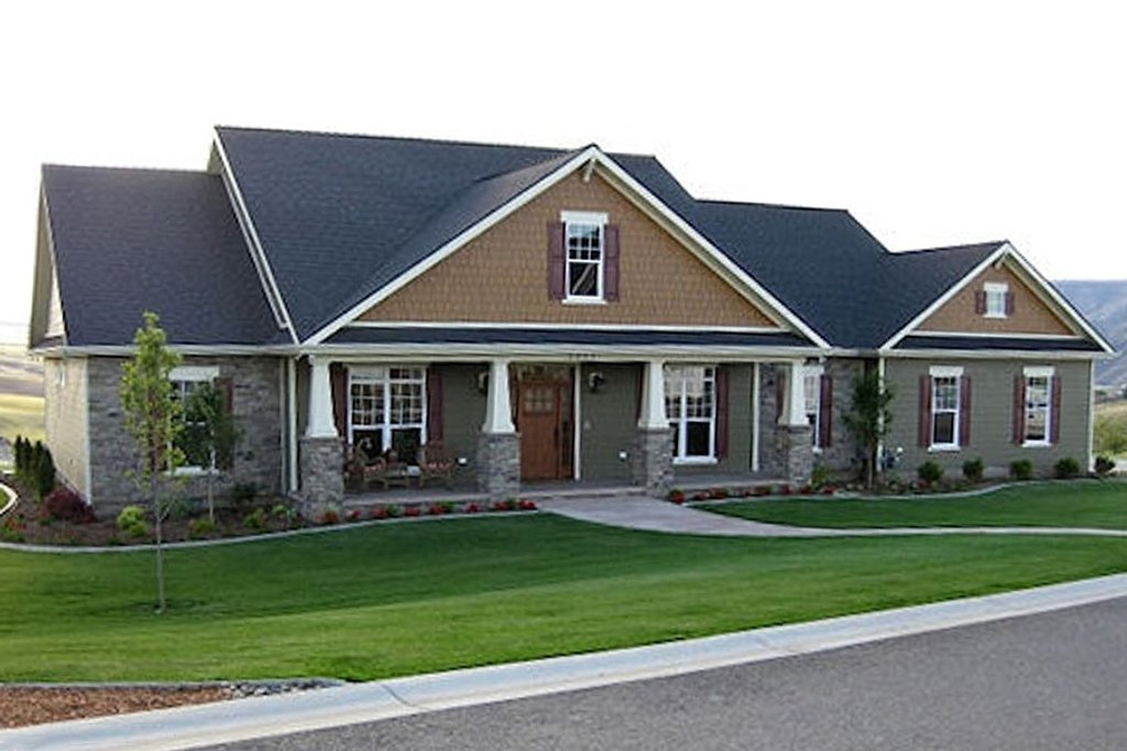 Craftsman Style House Plan 4 Beds 3 5 Baths 2800 Sq Ft