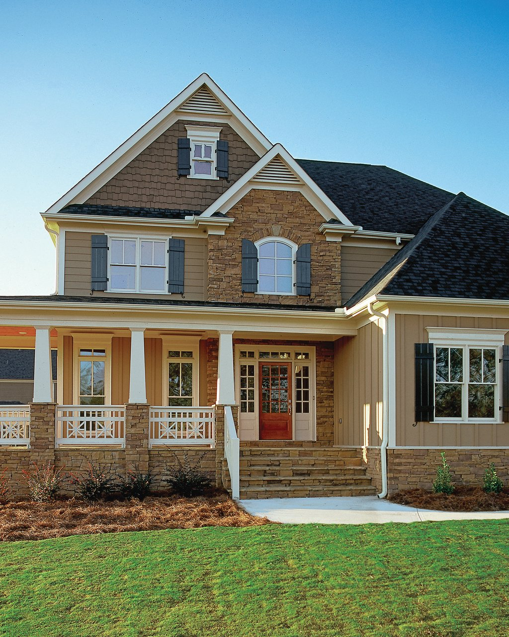 Craftsman Style House Plan - 4 Beds 2.5 Baths 2443 Sq Ft