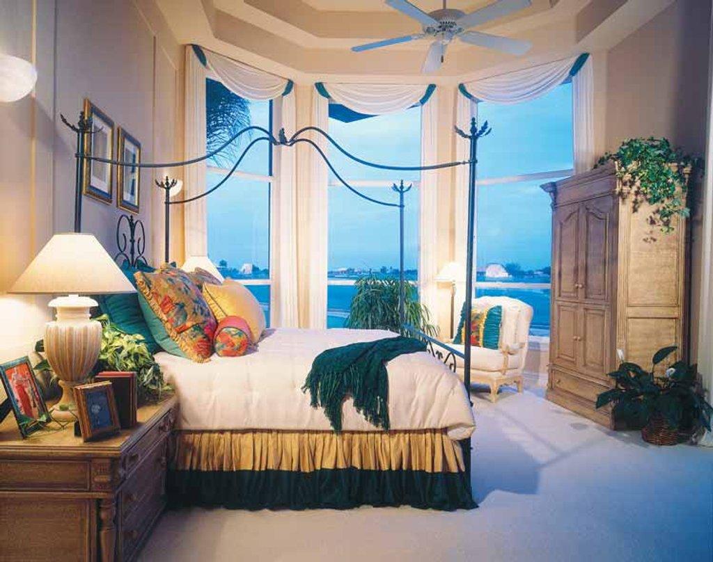 Mediterranean Style House Plan - 4 Beds 3.5 Baths 3792 Sq