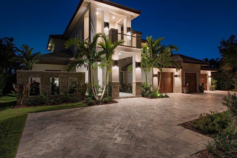 Mediterranean Style House Plan 4 Beds 5 5 Baths 4167 Sq