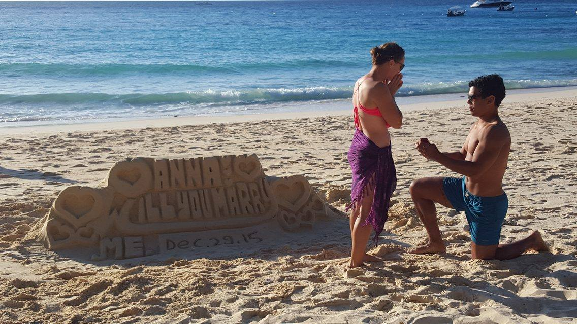Beach Proposal Ideas For Your Sweet Sandy Marriage