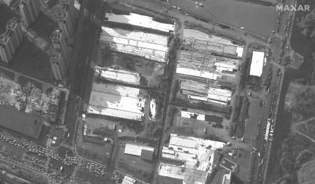Uma imagem de satélite de um hospital em construção em Wuhan. Foto: Maxar Technologies / Divulgação via Reuters
