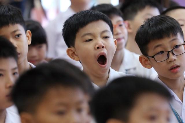 Hasil gambar untuk yawning student london