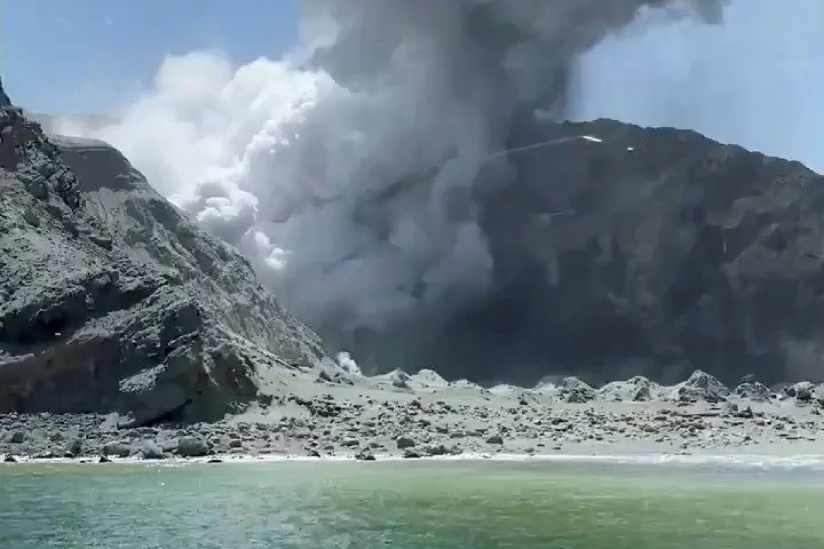 White Island New Zealand Volcano Traps Tourists From
