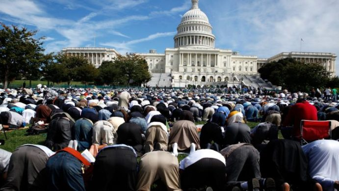 Image result for دور العبادة في الولايات المتحدة