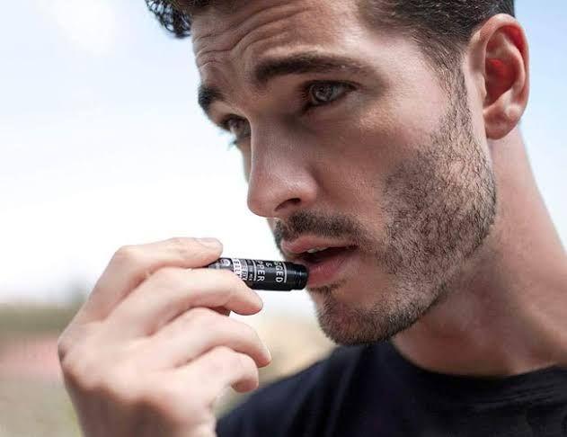 6 Tips Alami untuk Mencerahkan Bibir Hitam di Rumah, Wajib Coba Bro!
