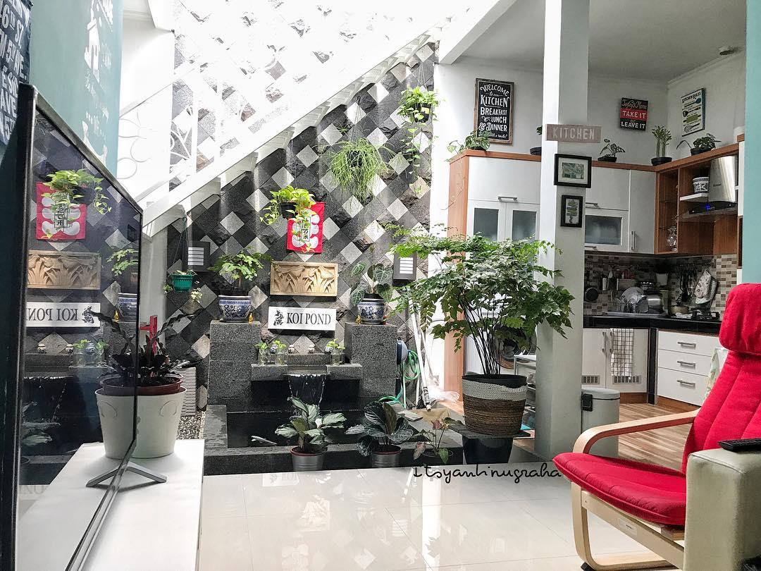Desain Rumah Unik dengan Dapur Terbuka Bahkan ada Kolamnya