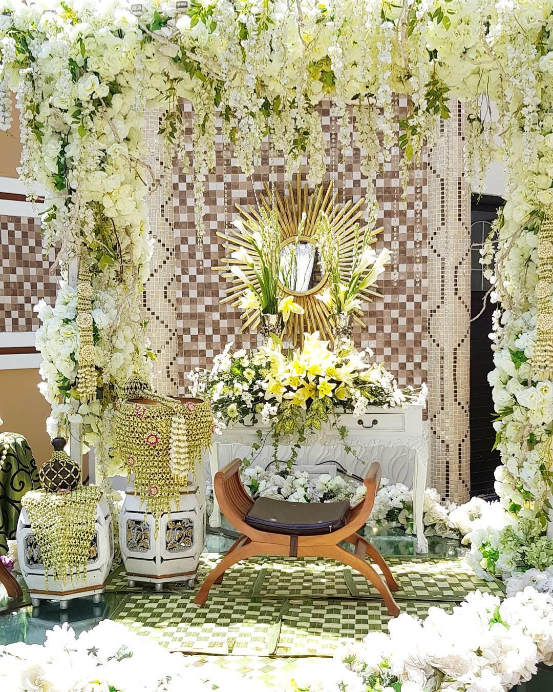 Dekorasi Janur Pengantin : dekorasi, janur, pengantin, Bikin, Jatuh, Hati,, Dekorasi, Siraman, Untuk, Pernikahan