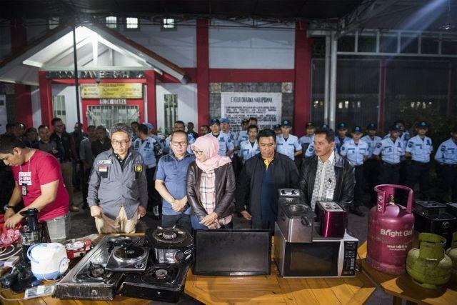 4 Jam Geledah Lapas Sukamiskin, Tim KPK Sita Dokumen dari Sel Wawan