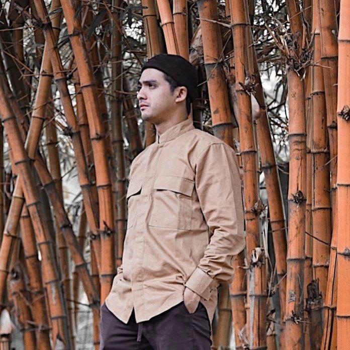 Tambah Adem, 10 Potret Terbaru Ricky Harun yang Semakin Syar'i