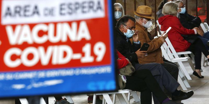 L'anomalia del Cile sui vaccini, spiegata - Il Post