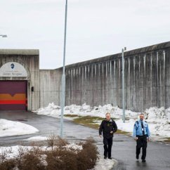 Chair Gym Exercise System Padded High Anders Breivik Says Norway Prison Meals Worse Than Waterboarding | Daily Star