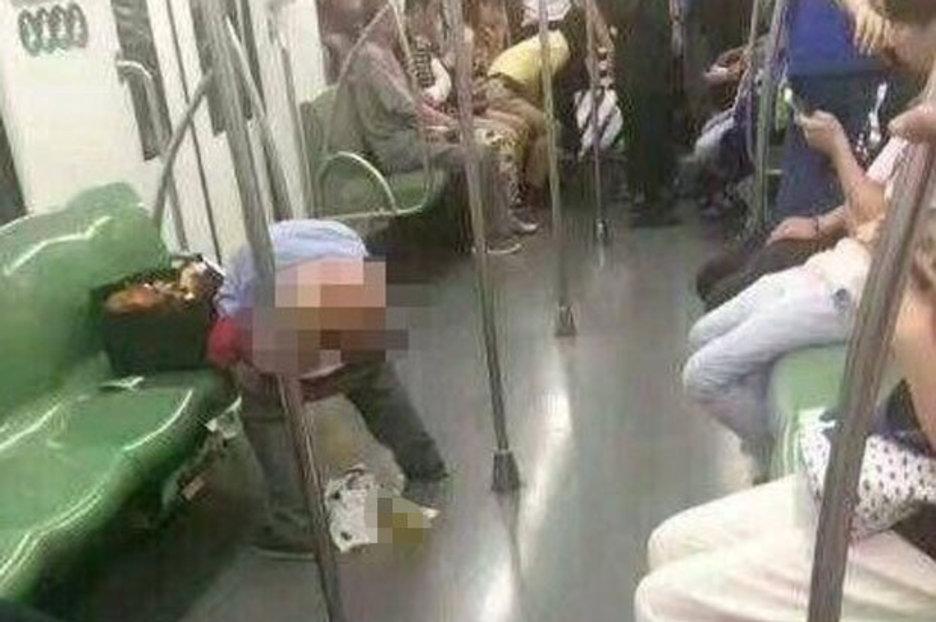 Man defecates on floor of Metro Line 2 train in Shanghai
