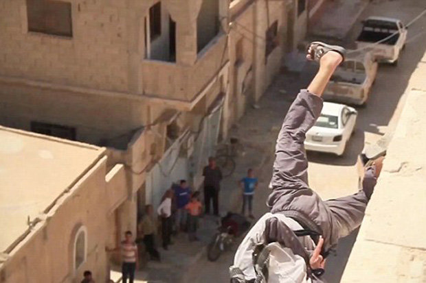 ISIS execute man by throwing him off a building