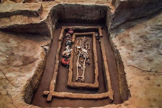 De Esqueletos Gigantes Encontrados