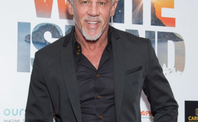 Wayne Lineker Towie Star Shows Of Hilarious Ibiza Tattoo