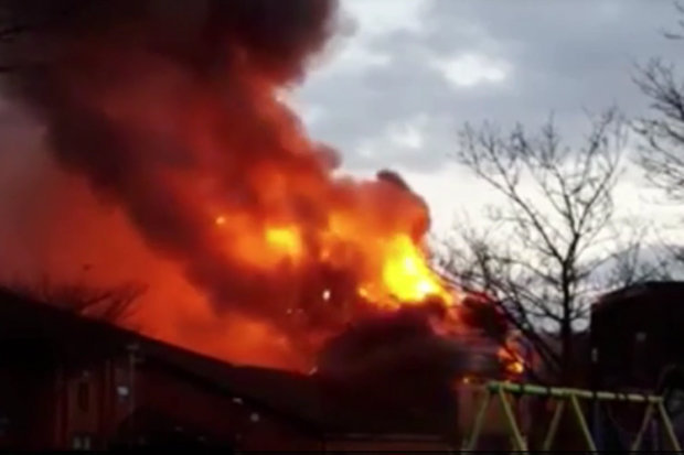 Fire Engulfs Warehouse In Cardiff City Centre Daily Star