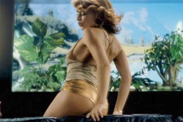 Kylie Minogue Calendar 2018 picture causes Photoshop row