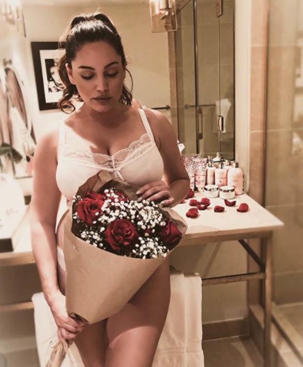Kelly Brook Instagram Jeremy Parisi Beau Strips To Sexy
