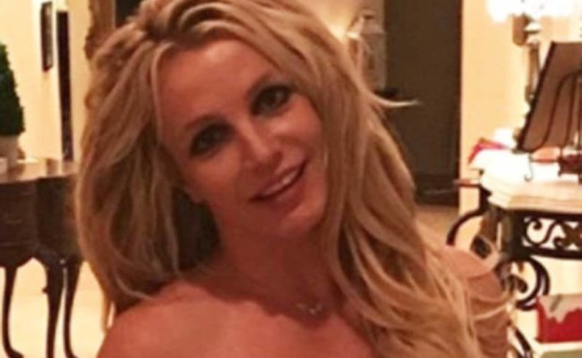 Britney Spears 2018 Fans Claim Kenzo Pics Aren T The