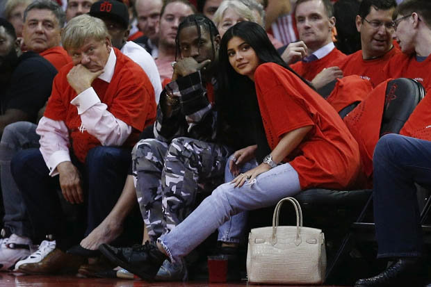 Kylie and Travis courtside