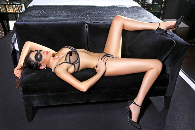Cheating dating site allows mistress to have kinky affairs