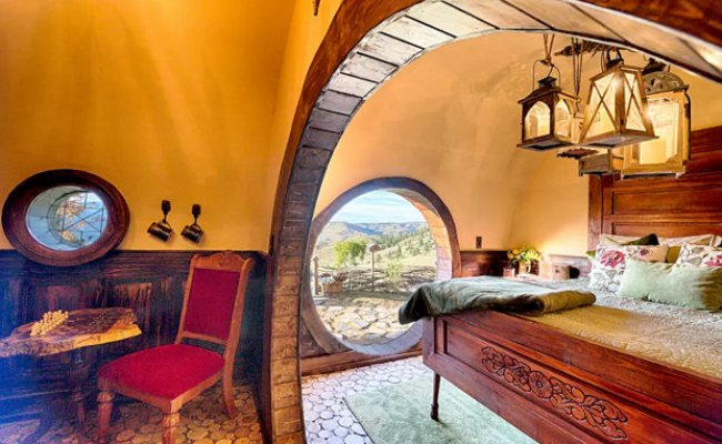 Hobbit House In The Shire Can Now Be Rented On Airbnb