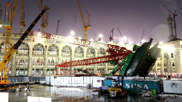 A crane collapsed onto the Grand Mosque in Mecca