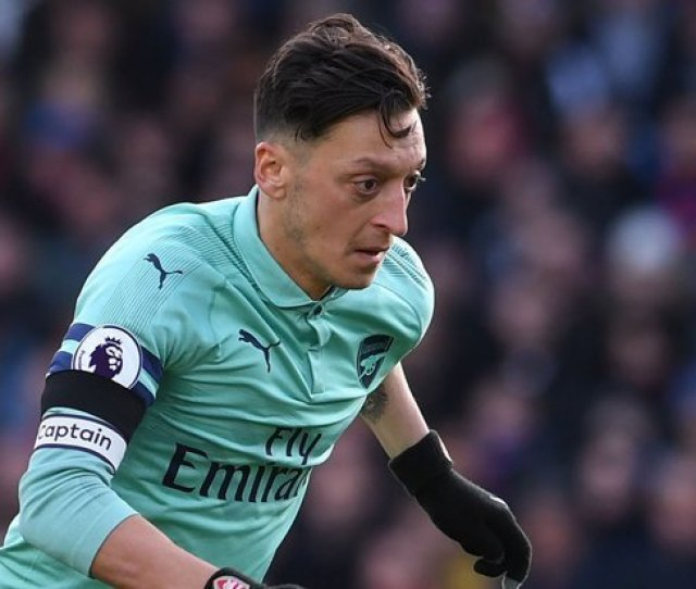 Arsenal Star Mesut Ozil Extremely Concerned After Unai Emerys Comments