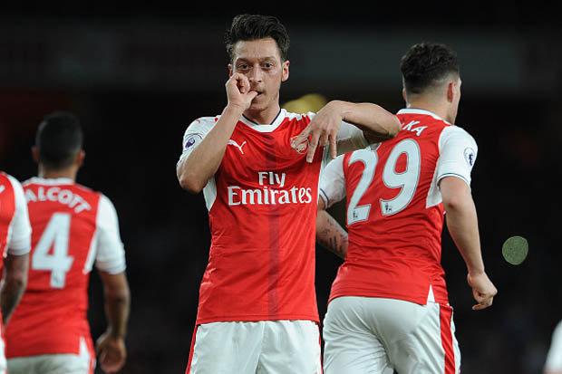 Image result for Mesut Ozil 3-0 West Ham