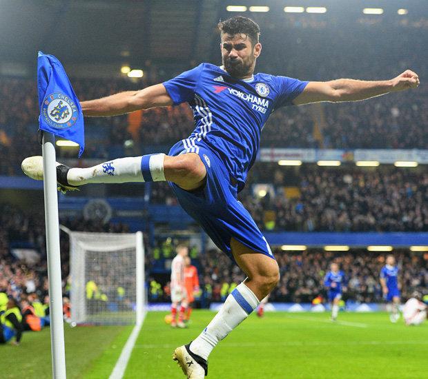 Diego Costa esulta a modo suo un gol con la maglia del Chelsea. Foto: Chelsea FC.