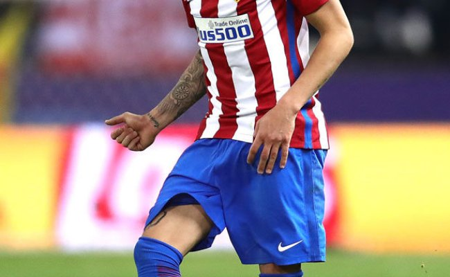 Jose Gimenez Man United Lead Liverpool In Race To Land