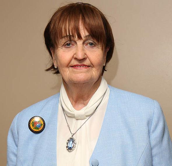 Baronesa Cox