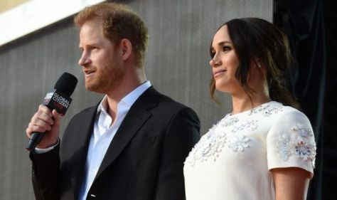 Harry and Meghan arrive in Central Park after changing outfits ahead of big vaccine speech